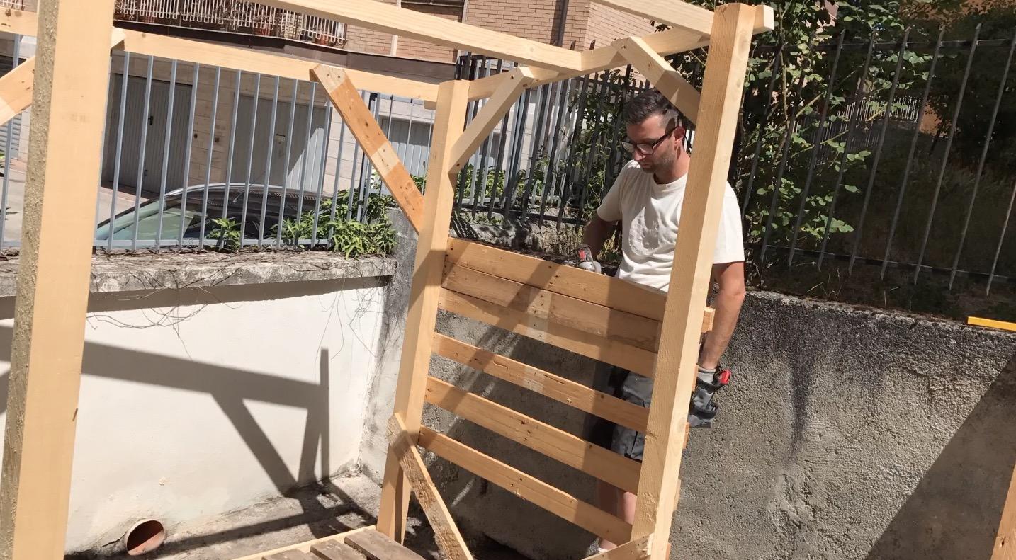Come costruire una legnaia makers at work for Costruire una tettoia fai da te