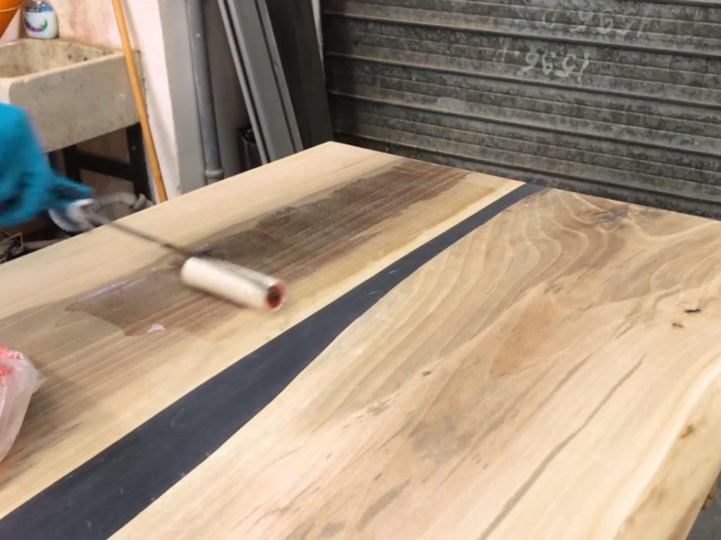 Costruire Un Tavolo Rustico In Legno.Tavolo In Legno E Resina Fai Da Te Per Hobbysti Makers At Work