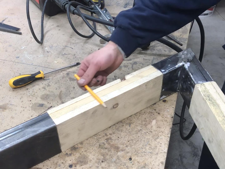 Sgabello fai da te come creare uno sgabello in legno e ferro