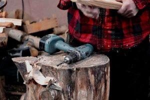 Come fare un foro quadrato nel legno